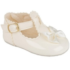 Baby Girls Ivory Patent Baypods Pram Shoes