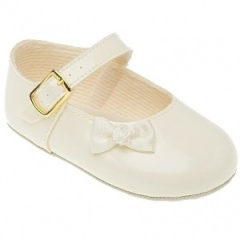 Baby Girls Ivory Patent Bow Baypods Pram Shoes