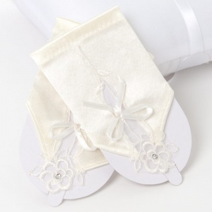Girls Ivory Short Satin Fingerless Gloves