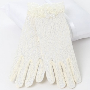 Girls Ivory Short Lace Gloves